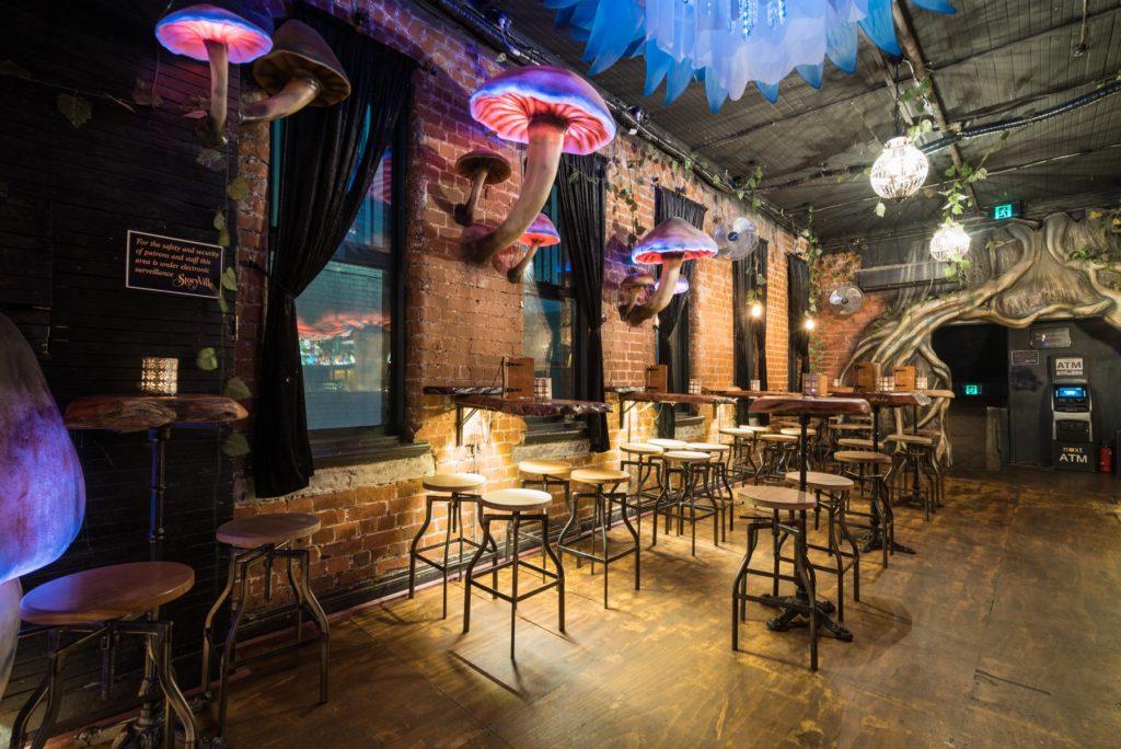 L'intérieur du bar Storyville