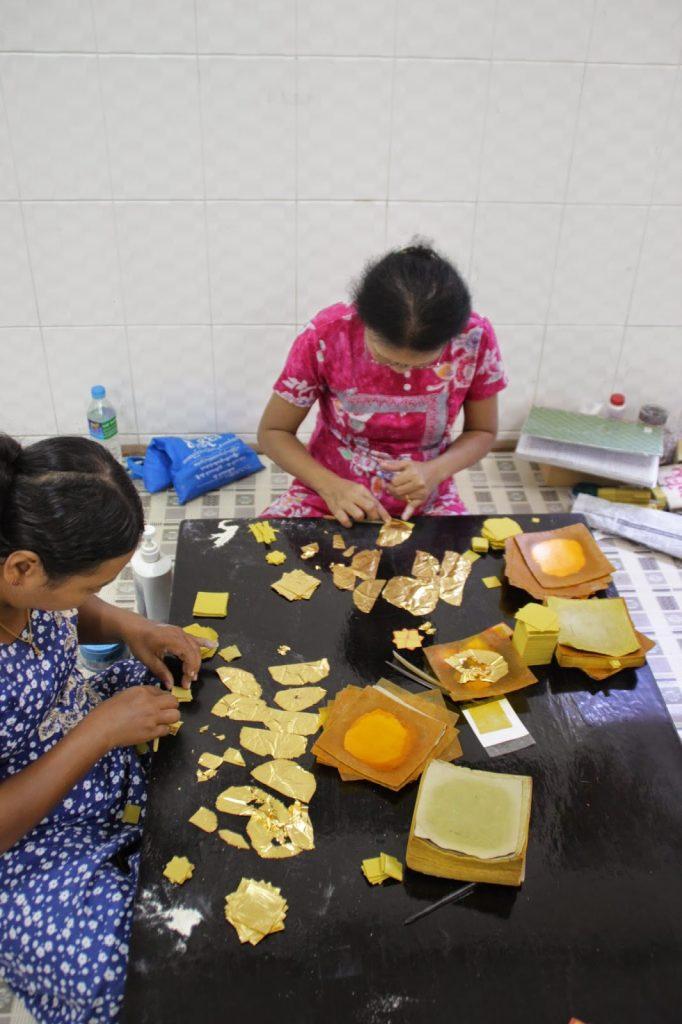 Fabrique feuilles d'or - Myanmar