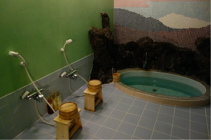 Intérieur d'un onsen au Japon