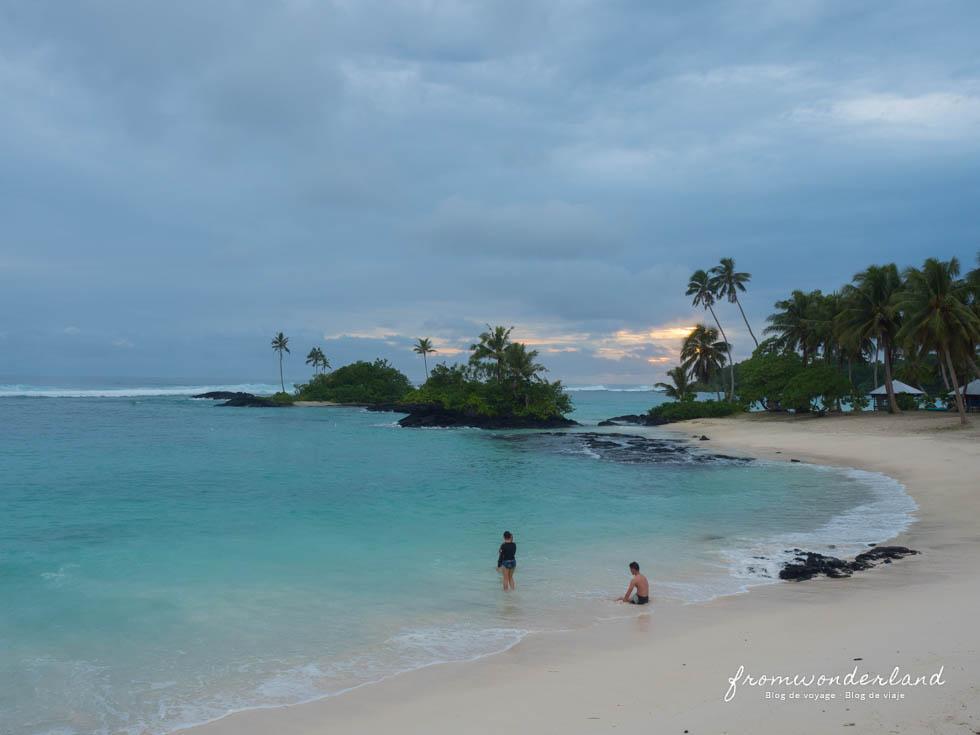 Plage de sable blanc - Samoa
