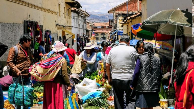 Sur les marchés péruviens