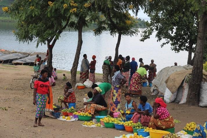 Des femmes sur un marché au Rwanda