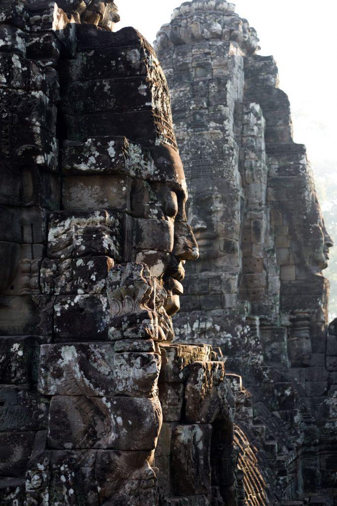 Les têtes du temple Bayon d'ANGKOR