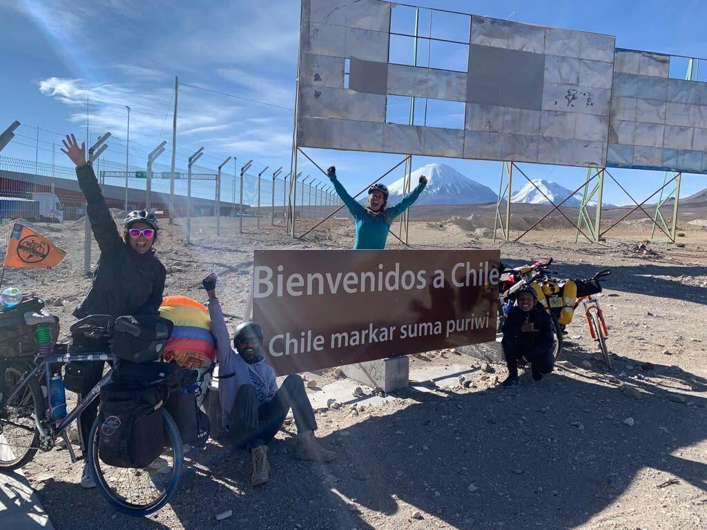 Frontière chilienne pour les cyclo voyageurs