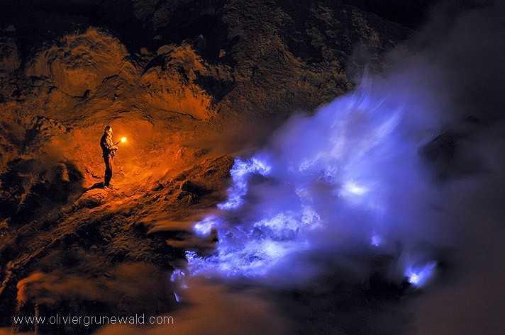 Les flammes bleues de Kawah Ijen