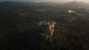 Vue aérienne de Sigiriya et du Lion Rock