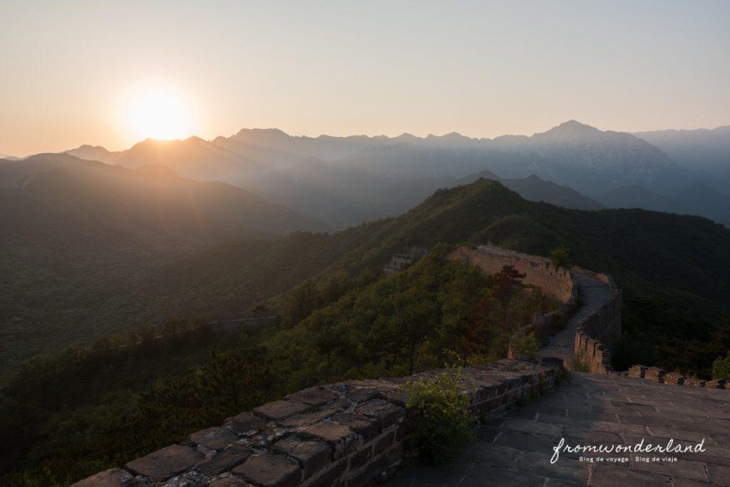 Coucher de soleil sur muraille de Chine