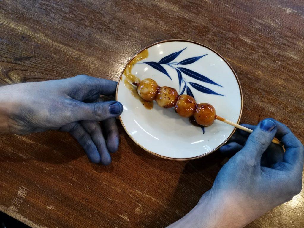 Les mains restent bleues plusieurs jours