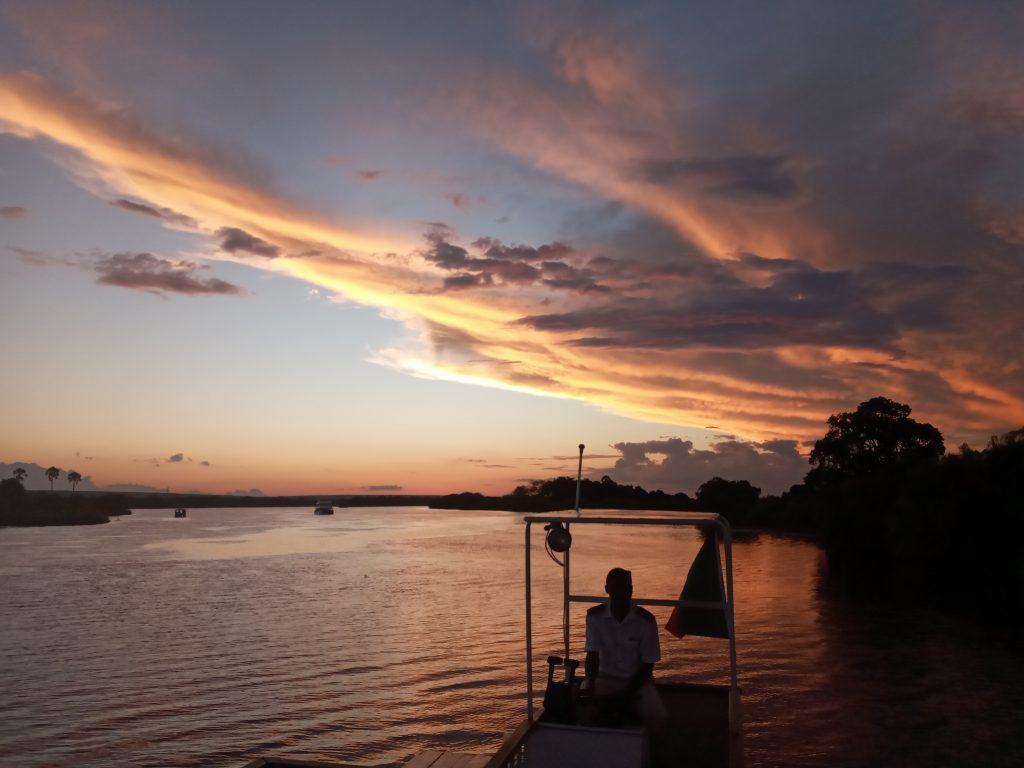 Sunset Cruise - Zambie