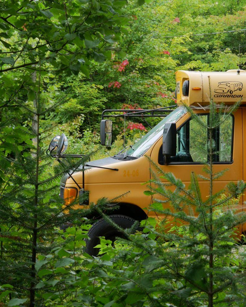 Vivre dans un bus lors d'une expatriation au Canada